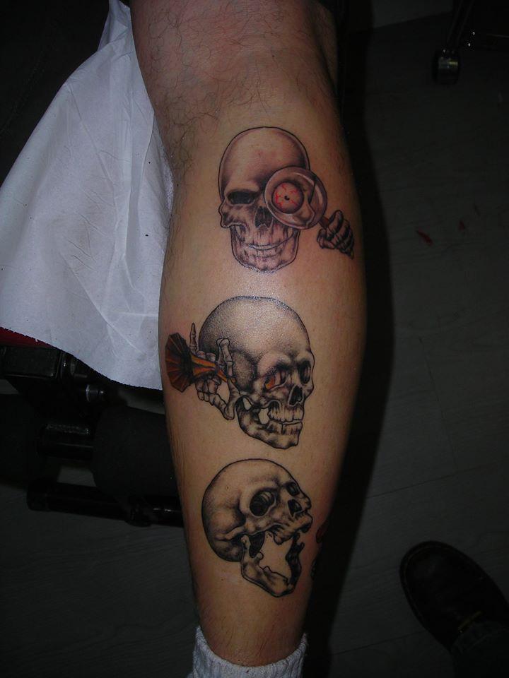 tatouage t te de mort tattoo studio. Black Bedroom Furniture Sets. Home Design Ideas