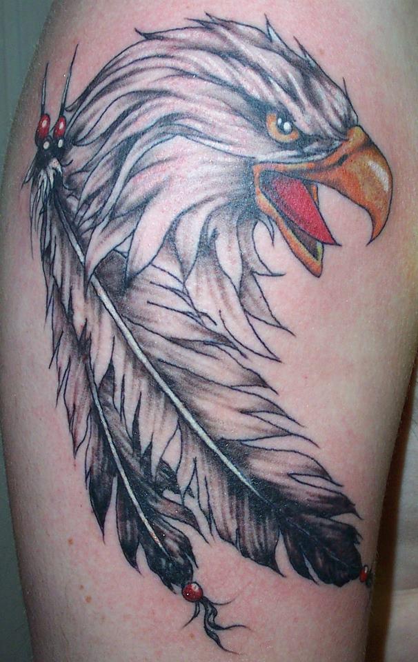 mod les tatouages corbeau la signification du bien ou du mal tatouage aigle signification. Black Bedroom Furniture Sets. Home Design Ideas