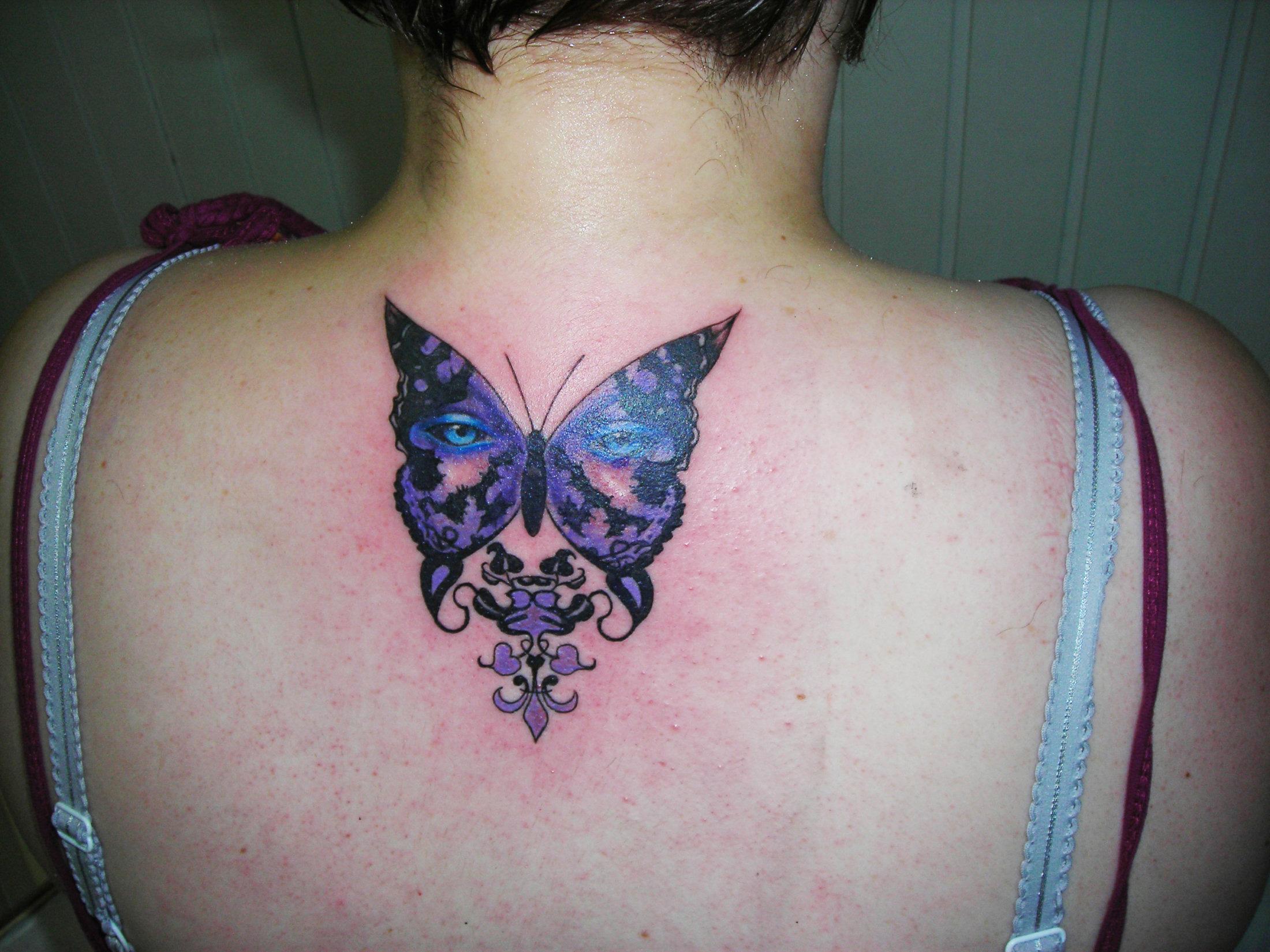 Tatouage femme noeud papillon galerie tatouage - Tatouage de papillon ...