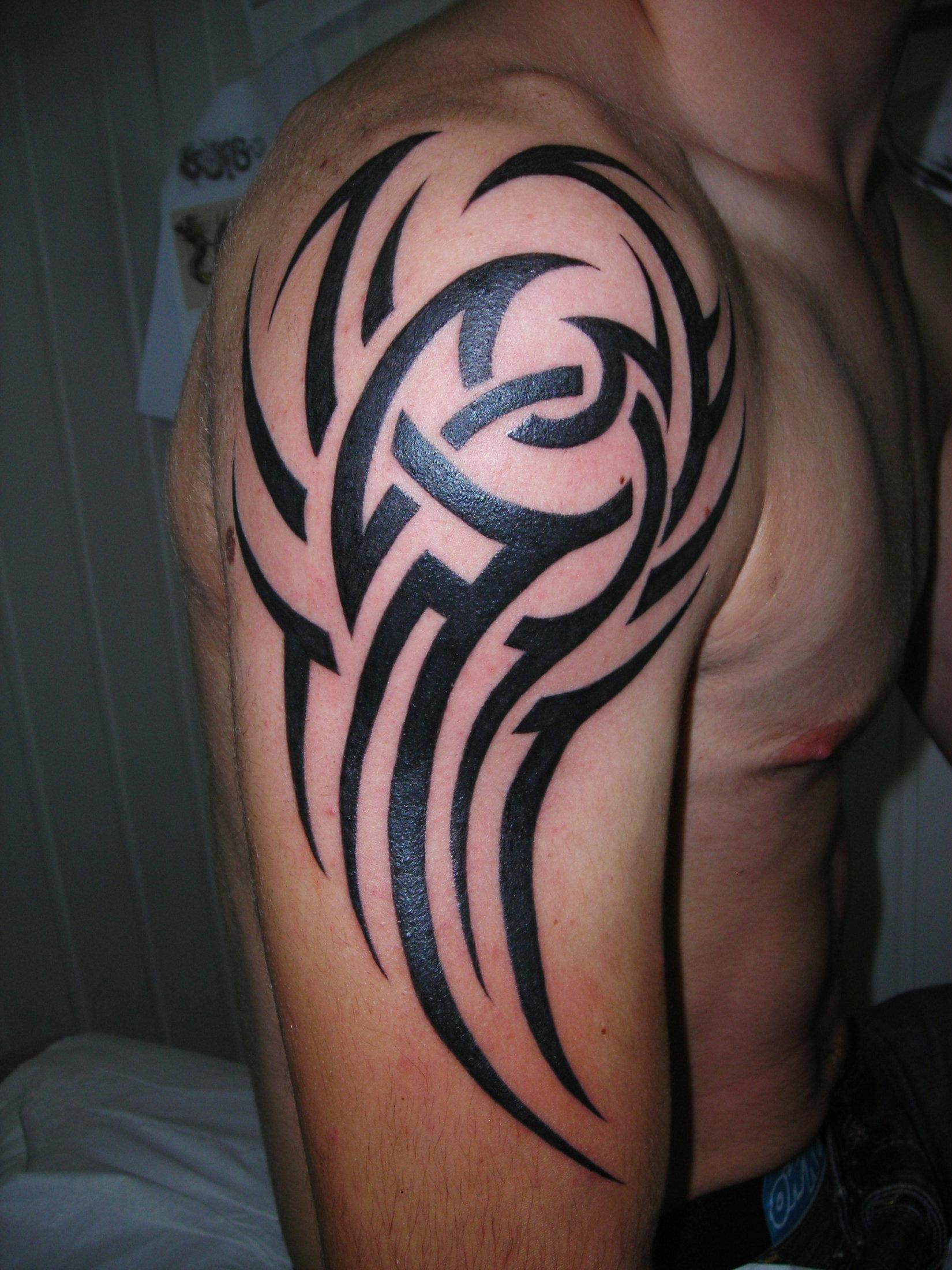 tatouage tribal tattoo studio. Black Bedroom Furniture Sets. Home Design Ideas