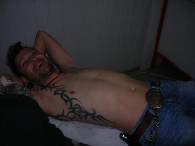 La bonne humeur au salon de tatouage