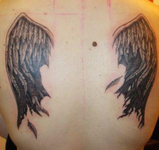 Tatouage ailes dans le dos