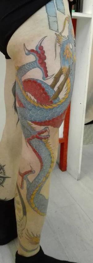 Tatouage dragon couleur