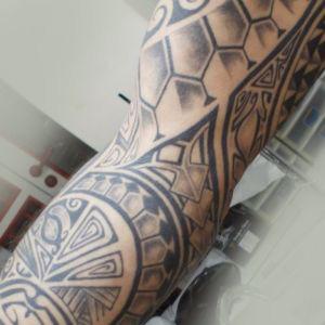 Tatouage tribal et maori