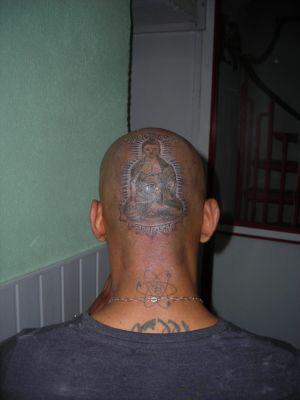 Tatouage sur le crâne