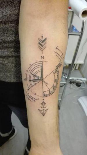 Tatouage motifs géomètriques
