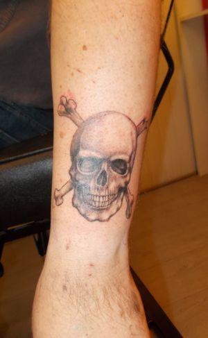Tatouage tête de mort pirate