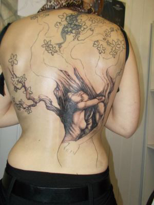 10 le tatouage avance bien !
